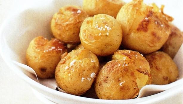 Τραγανές & πικάντικες πατάτες φούρνου διαίτης με 4 υλικά
