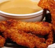 Κοτόπουλο πανέ με σάλτσα μουστάρδας