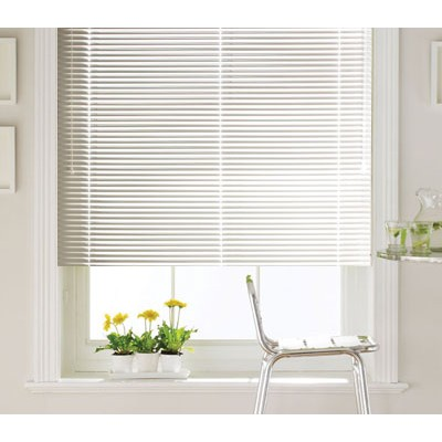 white-metal-venetian-blind