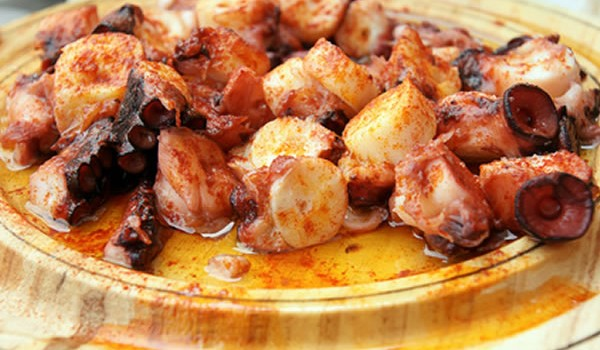 Χταποδάκι με μέλι και μπαλσάμικο στη λαδόκολλα