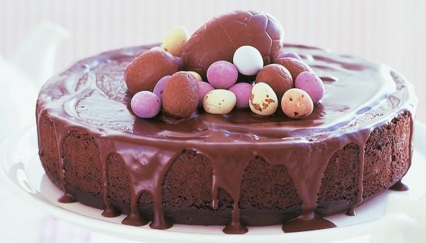 Σοκολατένιο κέικ με μαρμελάδα και γιαούρτι