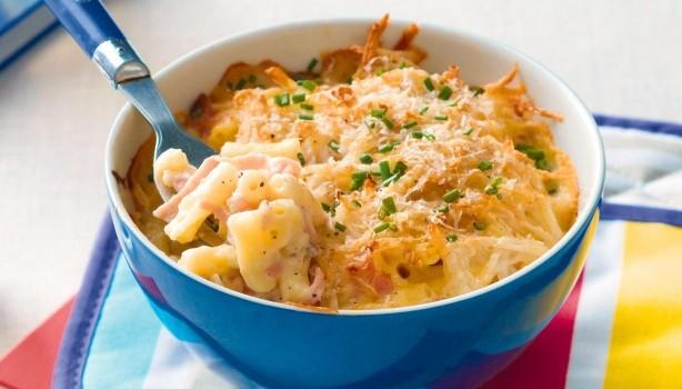 Ζυμαρικά σε κρεμώδη σος με τραγανή κρούστα πατάτας, στο φούρνο