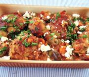 Κοτόπουλο μεσογειακό με πατάτες πιπεριές και φέτα στο φούρνο