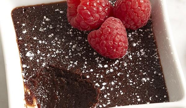 Κέϊκ με υγρή σοκολάτα