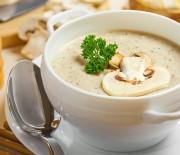 Μανιταρόσουπα βελουτέ με γιαούρτι
