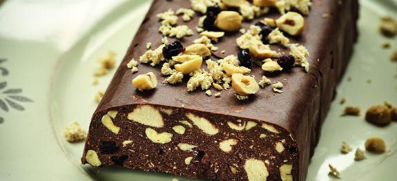 Κορμός σοκολάτας με χαλβά, φουντούκια και σταφίδες, νηστίσιμος