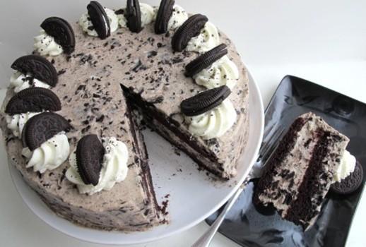 Σοκολατένιο γεμιστό Oreo κέικ