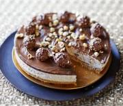 Cheesecake με Ferrero Rocher, Nutella & φουντούκια χωρίς ψήσιμο