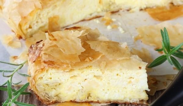 Τυρόπιτα με τυρί κρέμα και κεφαλογραβιέρα