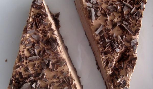 Τάρτα με σοκολατένια βάση μπισκότου και μους σοκολάτας