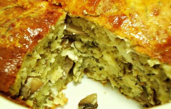 Μανιταρόπιτα με μυρωδικά και τυριά χωρίς φύλλο