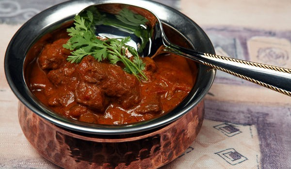 Μοσχαράκι με ινδική πικάντικη σάλτσα
