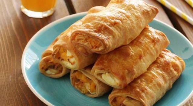 Ρολάκια με αυγά, μπέικον και τυρί κρέμα