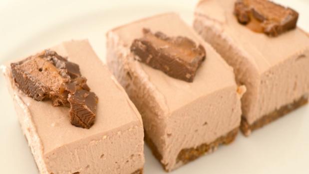 Cheesecake με ζαχαρούχο γάλα & σοκολάτες Toblerone και Mars