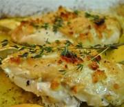 Κοτόπουλο λεμονάτο με σκόρδο και μυρωδικά