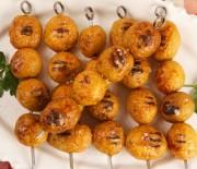 Σουβλάκι με μαριναρισμένες πατάτες
