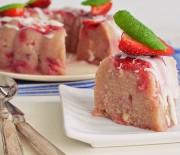 Χαλβάς σιμιγδαλένιος με φράουλες