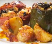 Γεμιστές ντομάτες και πιπεριές με μνήμες … Σμύρνης