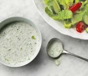 """Υπέροχη σάλτσα """"Ranch dressing"""" για σαλάτες και ντιπ"""