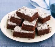 Σοκολατένιο κέικ ινδοκάρυδου με γλάσο σοκολάτας