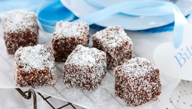 Lamingtons με σοκολάτα και ινδοκάρυδο