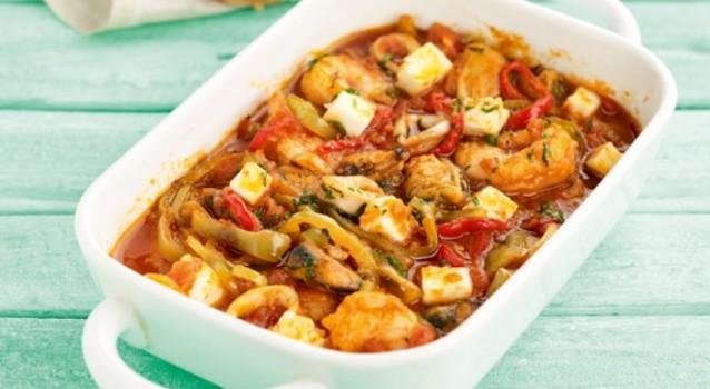 Σαγανάκι θαλασσινών με πιπεριές, ντομάτα και φέτα