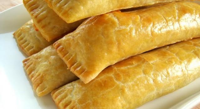 Υπέροχα ρολά τυριού με σπιτική ζύμη