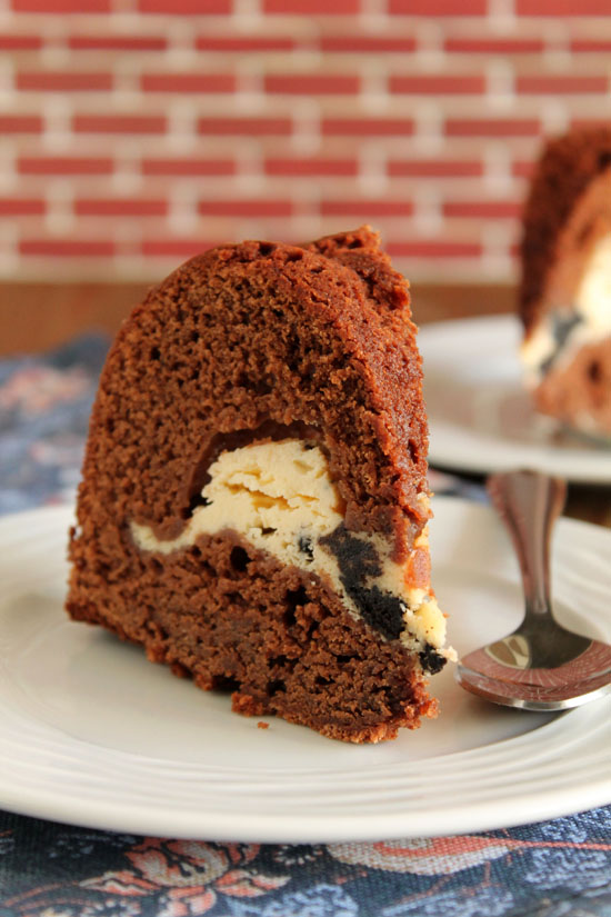 Chocolate-cake-oreo-cheesecake-filling-3-