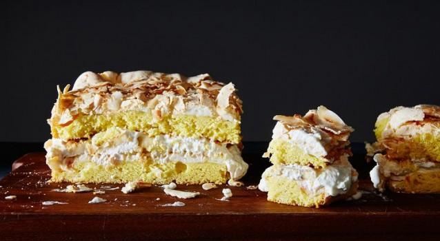 Υπέροχη τούρτα με μπανάνες και ινδοκάρυδο