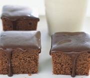 Κέϊκ σοκολάτας με μέλι και σοκολατένιο γλάσο μελιού
