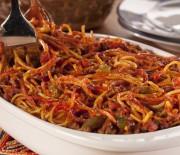 Σπαγγέτι με σάλτσα Μπολονέζ στο φούρνο