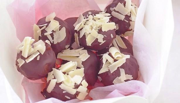 Σοκολατένια τρουφάκια με φουντούκια