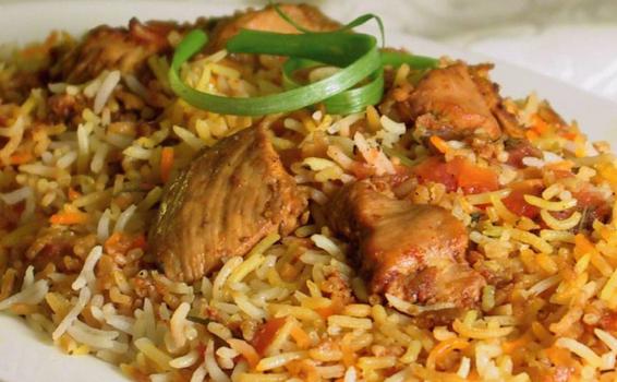 Κοτόπουλο Biryani (Μπιριάνι) με ρύζι μπασμάτι