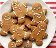 Χριστουγεννιάτικα Μπισκότα με τζίντζερ και λεμονάτη βουτυρόκρεμα