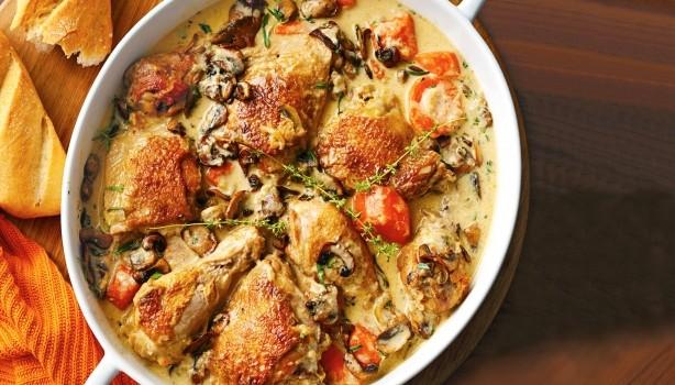 Κοτόπουλο με μανιτάρια και καρότα στο φούρνο