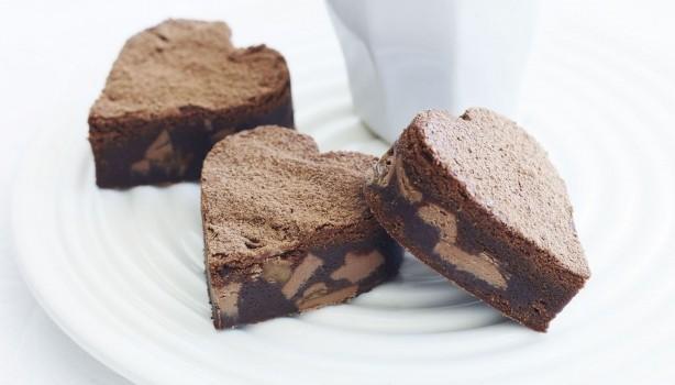 Μάφινς καρδούλες με σοκολάτα και καραμέλα