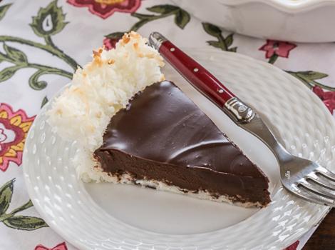 Τάρτα γκανάς σοκολάτας σε βάση ινδοκάρυδου με 4 υλικά