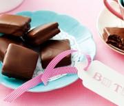 Σπιτικά μπισκότα με γέμιση και κάλυψη σοκολάτας