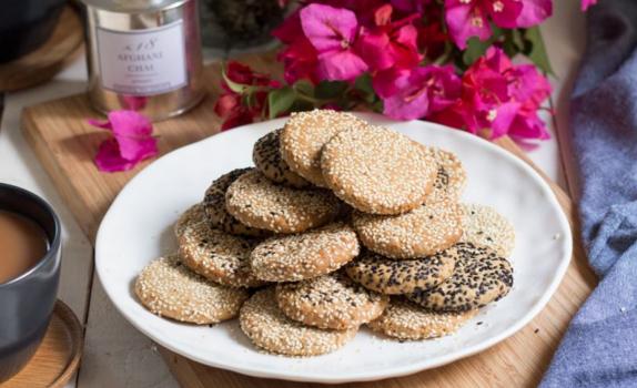 Μπισκότα με ταχίνι και καρύδια νηστίσιμα (Video)