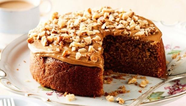 Κέικ και γλάσο με καφέ espresso