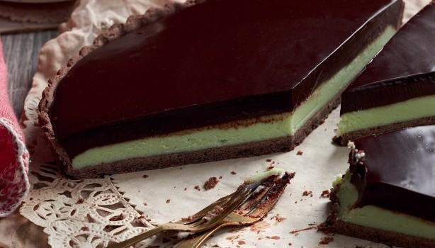 Τάρτα με υπέροχη γκανάς μέντας και σοκολάτας
