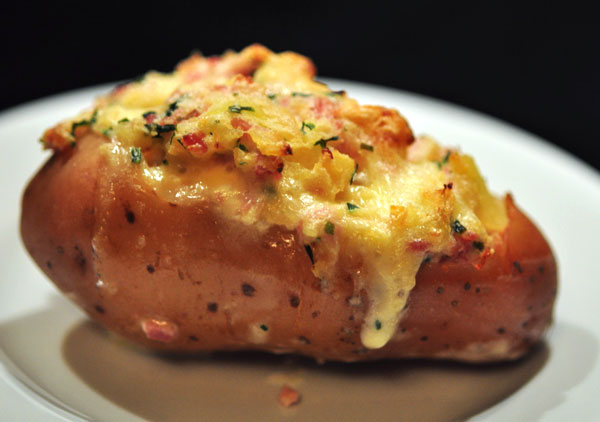 baked-stuffed-potatoes (1)