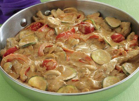 Μοσχαράκι με λαχανικά σε κρεμώδη σάλτσα