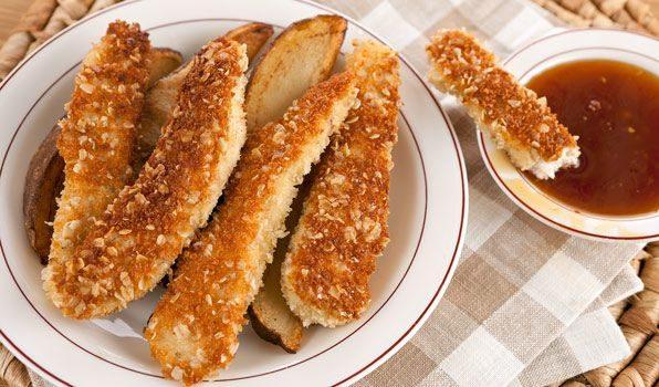Τραγανά στικ κοτόπουλου με σάλτσα μελιού σκόρδου