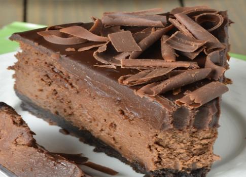 Σοκολατένιο cheesecake με βάση όρεο και επικάλυψη σοκολάτας