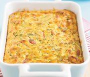 Πανεύκολη πίτα χωρίς φύλλο με κολοκυθάκια, ζαμπόν και τυρί