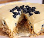 Υπέροχο cheesecake λευκής σοκολάτας χωρίς ψήσιμο (Video)