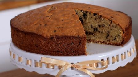 Κέικ αμυγδάλου με κομμάτια σοκολάτας (Video)