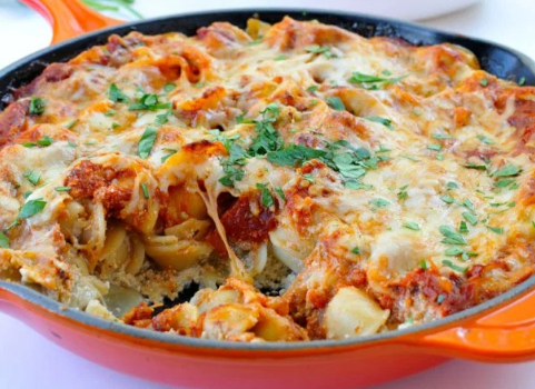 Ζυμαρικά με μελιτζάνα και τυριά στο φούρνο