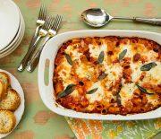 Ριγκατόνι με καπνιστή πανσέτα, κολοκύθια και τυριά στο φούρνο